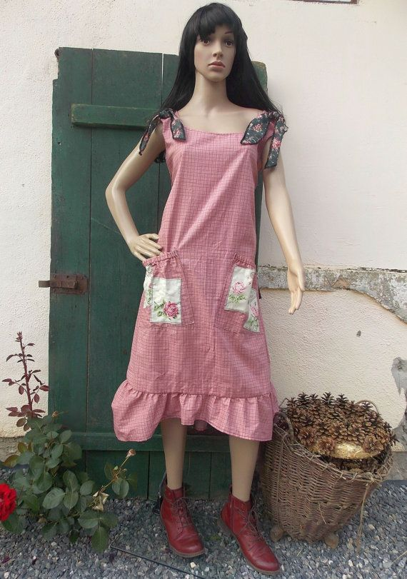 Dress ruffle rose country style fashion by AtelierJoanVilem