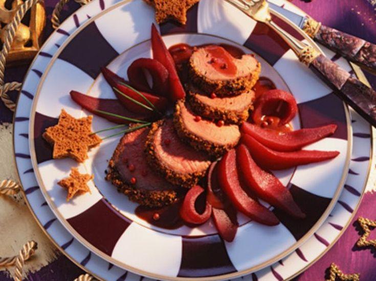 Découvrez la recette Filet de biche aux poires et au vin rouge sur cuisineactuelle.fr.