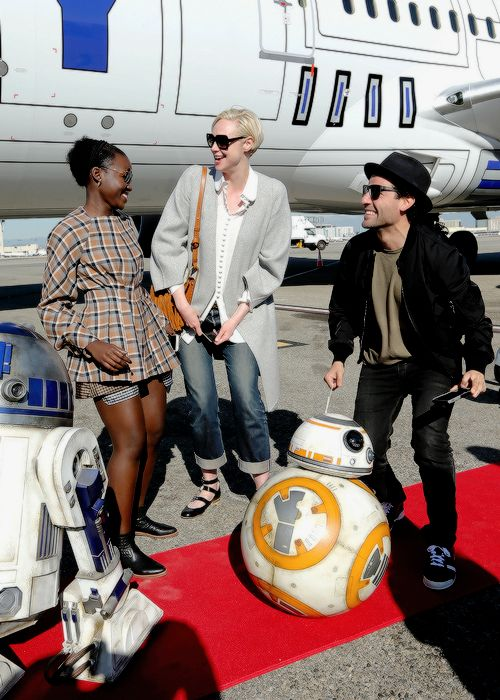 "The Cast Of ""Star Wars: The Force Awakens"" On ANA Charter Flight From Los Angeles To The London Premiere (Dec 15 2015)"