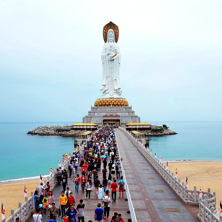 Guanyin Statue, Hainan Island, China / Статуя Гуаньинь, остров Хайнань, Китай