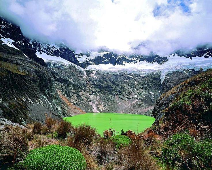 """Mares en los Andes """"Lagos del Ecuador"""" - Laguna en el Altar"""
