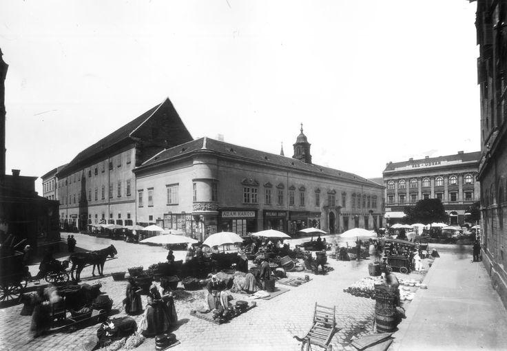 1894, Városház tér