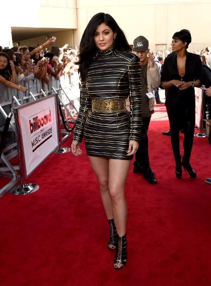 04dfa819c384df8a834206d72d55aed6 10 vezes que Kylie Jenner arrasou com o preto