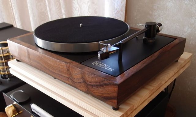 """Linn - Reference LP12 ,High End Turntable"" !...  http://about.me/Samissomar"