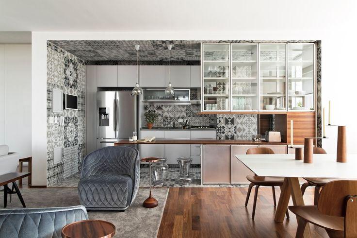 Porcelanato Do Piso Ao Teto Decora a Cozinha Desse Charmoso Apartamento | Ideias…