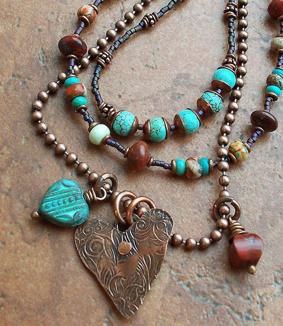 hearts: Brown And Turquoi Necklaces, Colors Combos, Laid Back Style, Beads Necklaces, Heart Jewelry, Heart Necklaces, Turquoise Necklace, Boho Jewelry, Copper Heart