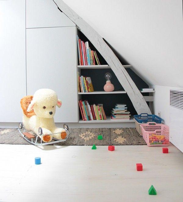 Une pièce sous les poutres pour la petite Suzon   – Chambres enfants