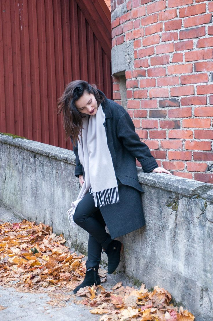 Isabel Marant pour H&M coat, Balmuir scarf and &OtherStories boots for a nice autumn walk. For more Scandinavian style check out my blog: http://www.sofiaway.com/