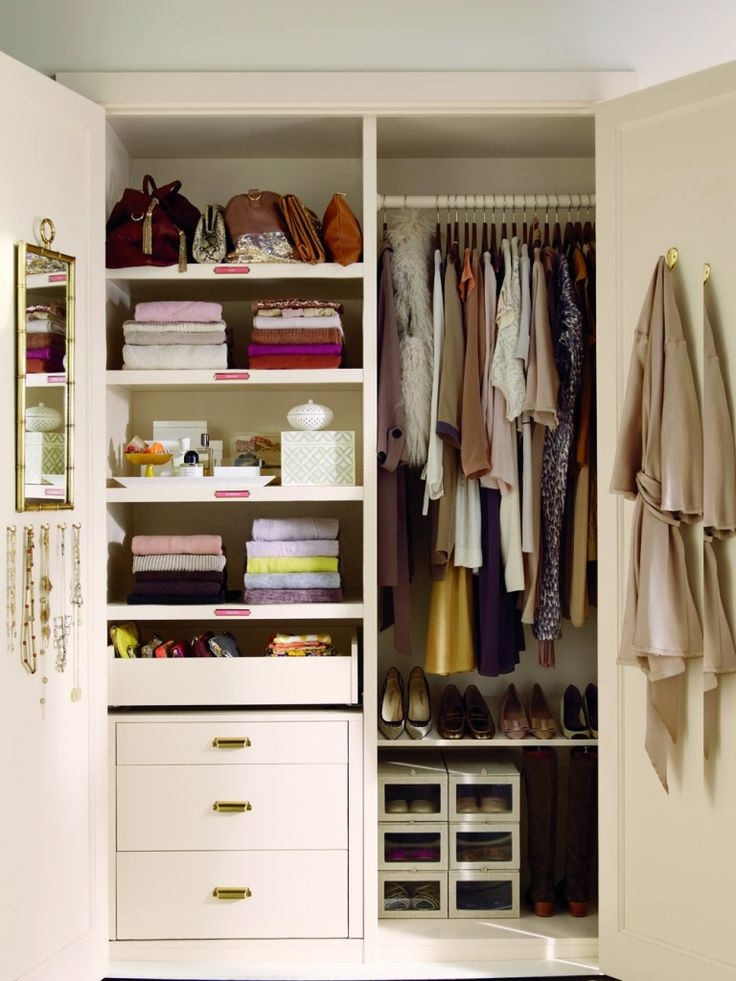 From Martha Stewart's website... I'm going to re-organize my WHOLE house and de-clutter during Spring Break!