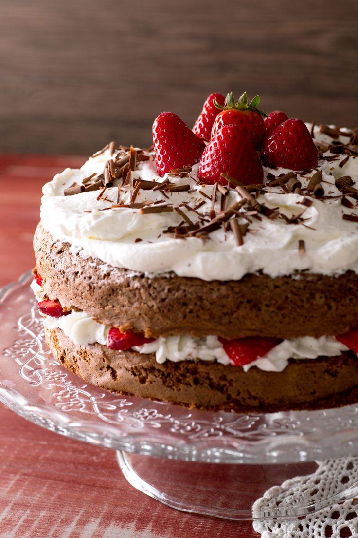 Torta cioccolato e fragole: perfetta per festeggiare un'occasione speciale!  [Chocolate and strawberry cake]