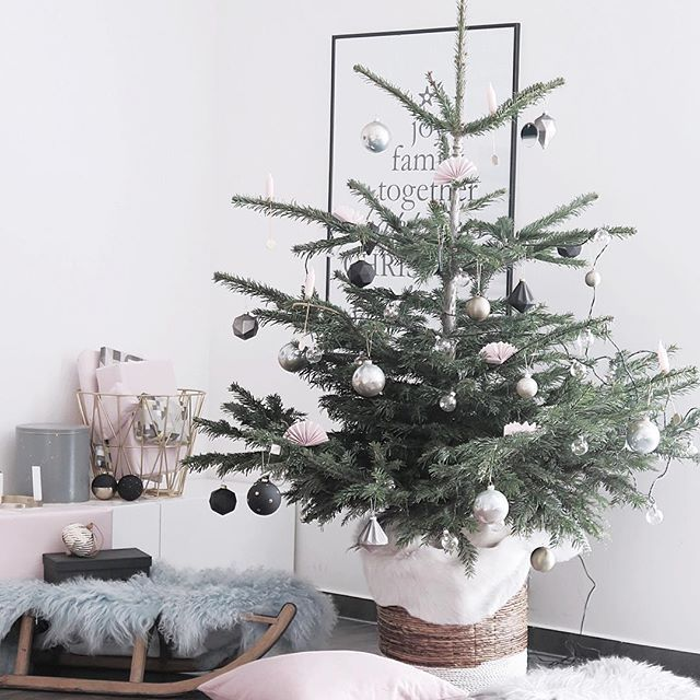 My Christmas styling for Nordicday.cz @martina_bellarose_nordicday  I like to keep it stylish and yet with ease... #christmasdeco #christmasstyling