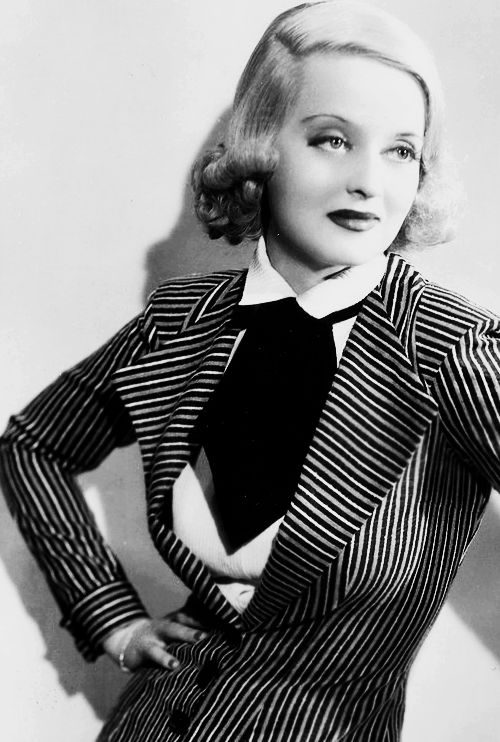 Bette Davis vintage fashion style icon 30s 40s movie star pin striped jacket very Girl Friday like