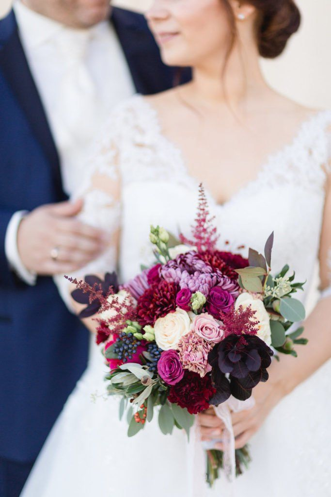 Herbst- und Winterhochzeit: Blumen und Brautstrauß