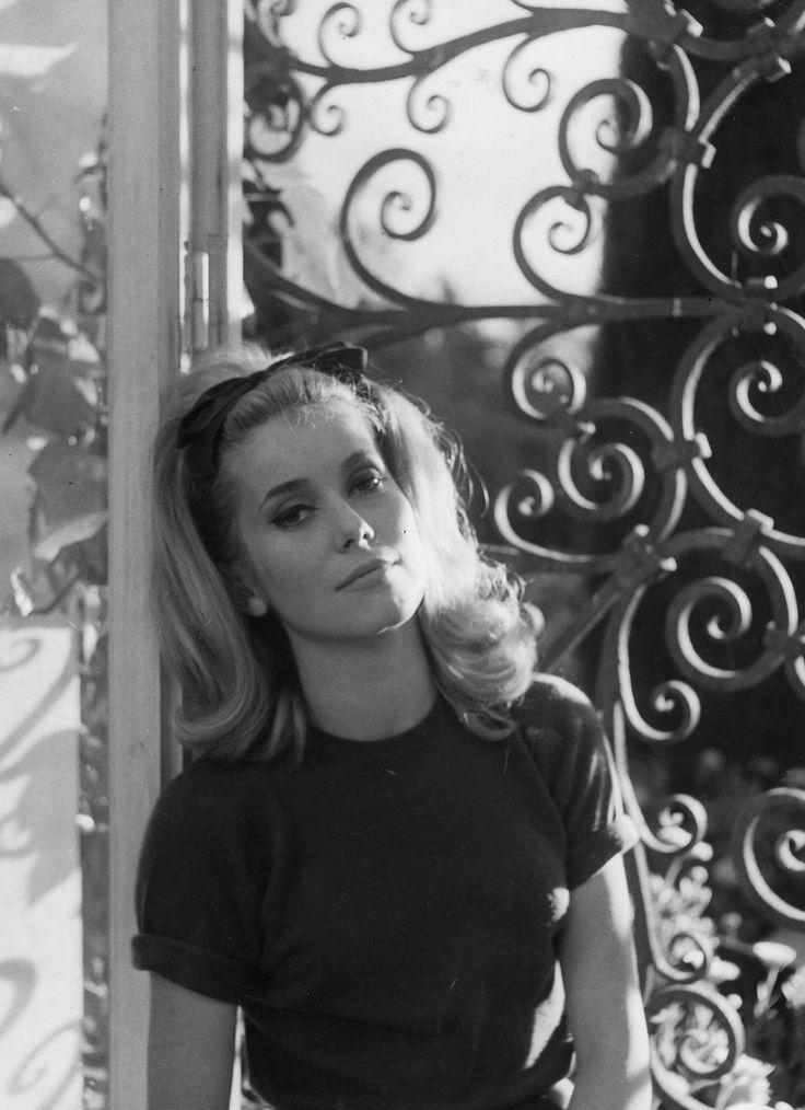 Catherine Deneuve on the set of Et Satan conduit le bal (1962)