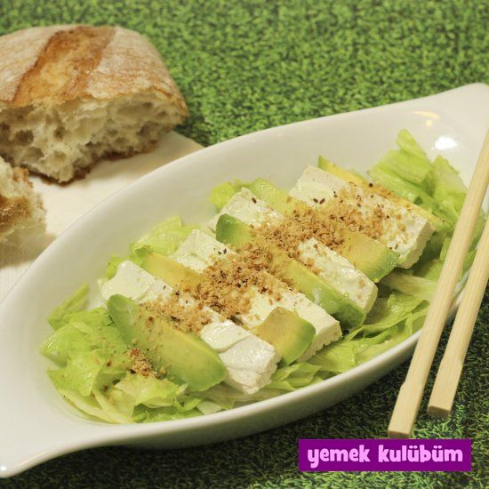 Keçi Peynirli Avokado Salatası nasıl yapılır, resimli Keçi Peynirli Avokado Salatası yapımı yapılışı, Keçi Peynirli Avokado Salatası tarifi