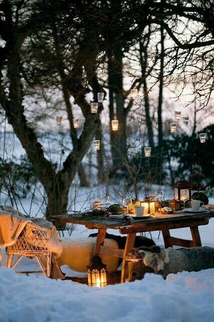 Best winter picnics w/ good company & toasty drinks!