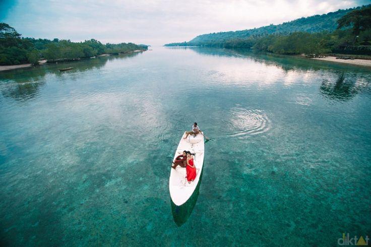 Engagement Destination // Lembongan Island // Junk & Ewin » Diktat Photography