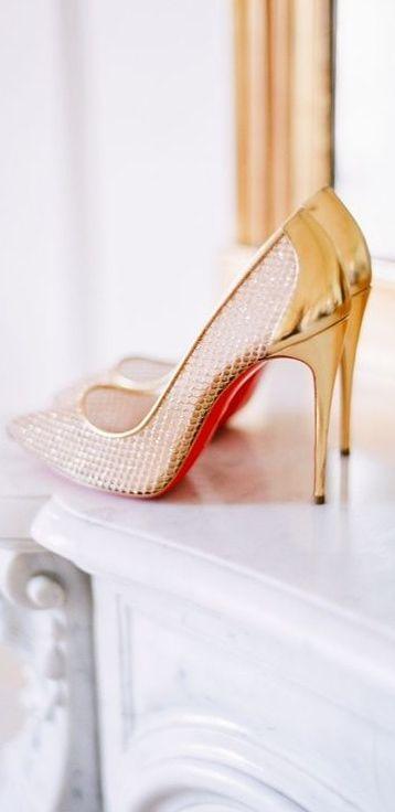 bridal details #gold #shoes #pumps #bride #wedding
