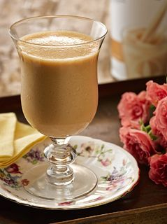 Herbalife - Brasil - Shake de Doce de Leite com goiabada diet  Ingredientes:  • 2,5 colheres de sopa (26 g) de Shake de Doce de Leite   • 250 ml de leite semidesnatado gelado   • 1 colher de sopa de goiabada diet   Modo de Preparo:   Bata os ingredientes no liquidificador e sirva a seguir.  Calorias:  209 kcal por porção.
