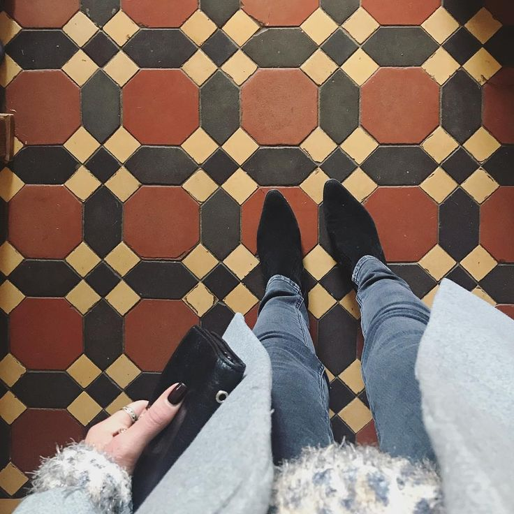 "78 mentions J'aime, 1 commentaires - Alice Darby (@alicedarby) sur Instagram : ""Sunday's Tiles / Farm Days 🍂 • • #sundayvibes #sunday #sundays #november #autumn #zara #sandro…"""
