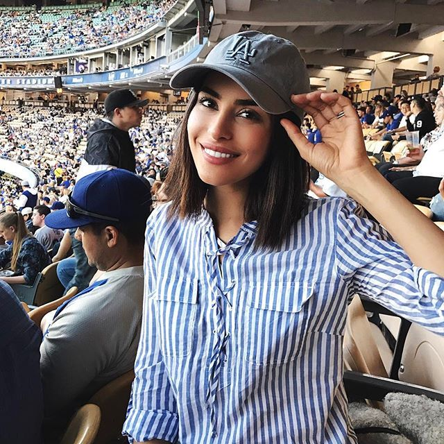 Hubby surprised me with Dodgers game tickets last night. It was my first baseball game in LA and I had so much fun!! 👏🏼💙 #rookie #baseballgame #doubledatenight #dodgers #wewon