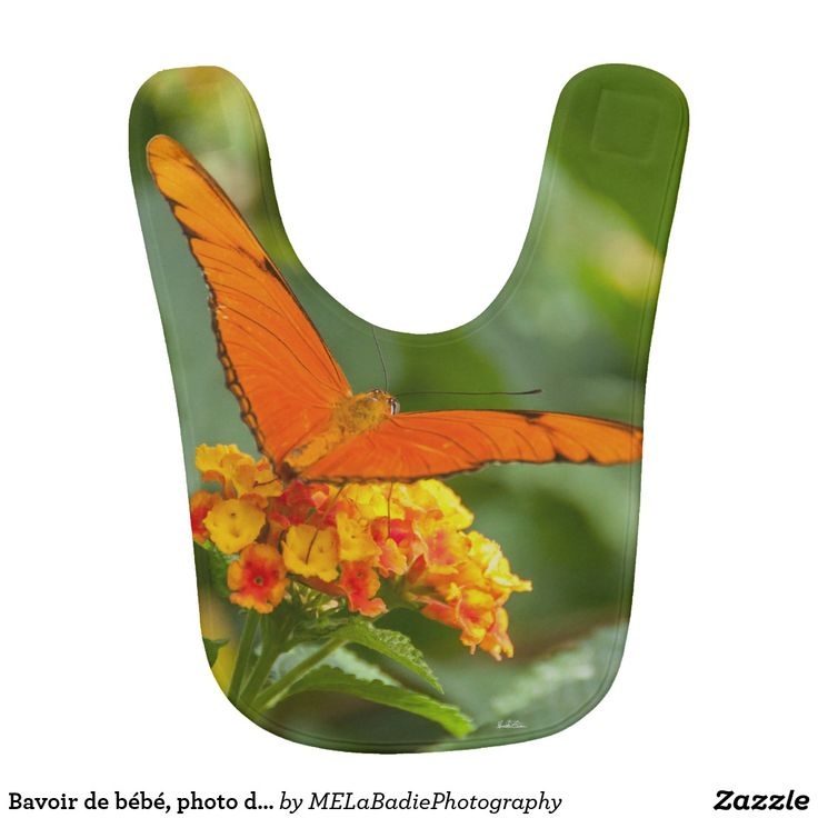 Bavoir de bébé, photo d'un papillon sur une fleur
