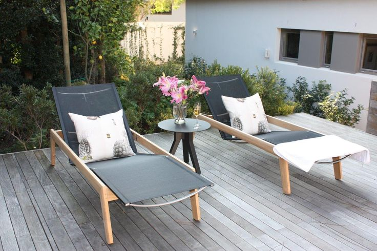 The Solana lounger by Gloster completes the look of Paula's client beautifully. #weloveourtrade  Read more here: http://www.marlanteak.com/?p=603