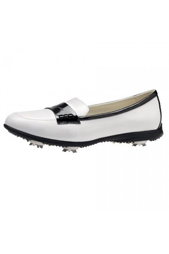 No #golf outfit is complete without #golfshoes! These are cute for evening events.