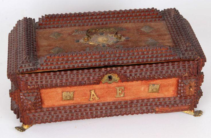 Original Kerbschnitzerei Schatulle militärisch datiert 1903 Zigarrenkiste