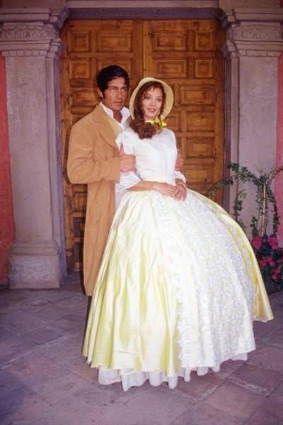 """FERNANDO COLUNGA nos hizo creer en el amor con Manuel Fuentes Guerra y Matilde Peñalver en """"Amor Real"""". (TVyNovelas)"""
