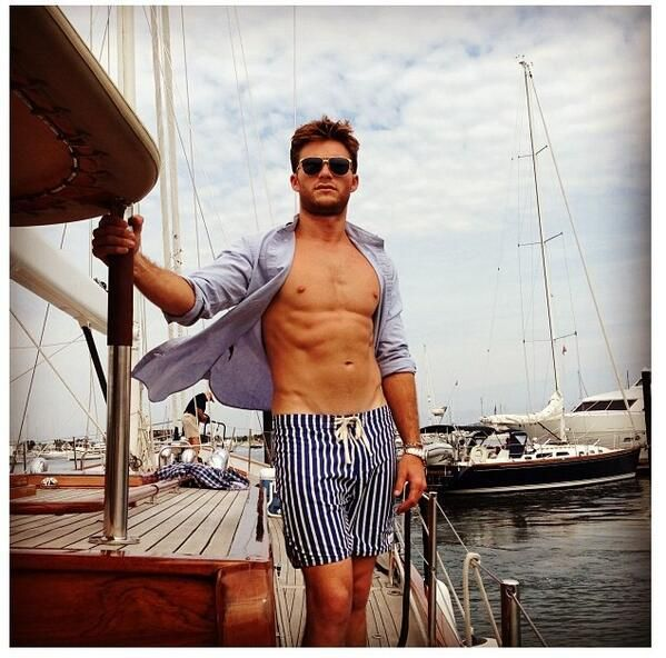 Scott Eastwood Bio, Twitter, Height 2013: Clint Eastwood's Son Does Shirtless Town & Country Spread [PHOTOS] Actor Talks Misconceptions and Famous Dad