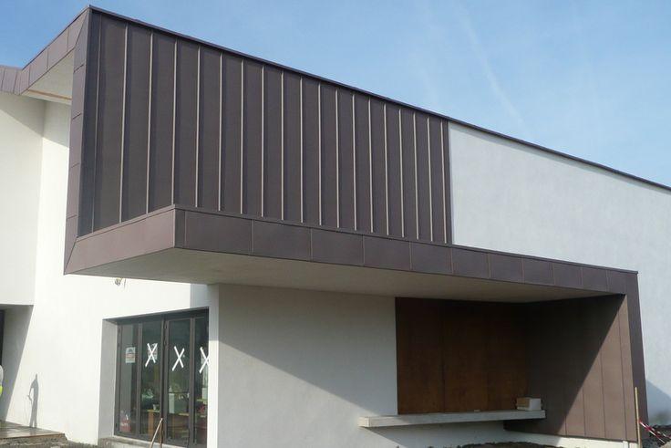 Bardage à joint debout vertical à entraxe regulier   Zinguerie, gouttières zinc, couverture, bardage 64 - Pays basque