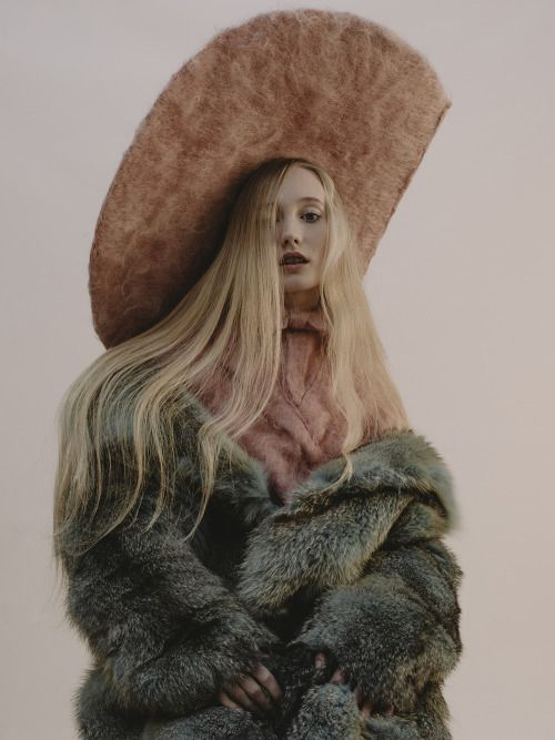 Elizabeth Yeoman for Modzik shot by Chloé Le Drezen Fashion Coline Bach / Makeup Lucy Joan Pearson / Hair Anna Chapman.