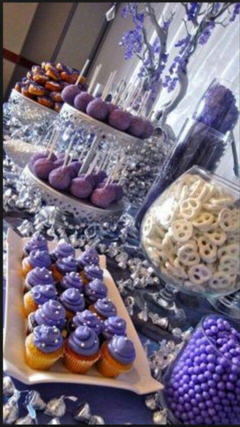 Mesa de dulces!!! yumM!