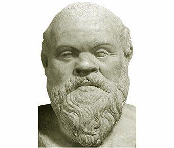 Sócrates (Atenas, 470 a.C. - id., 399 a.C) Filósofo griego. Pese a que no dejó ninguna obra escrita y son escasas las ideas que pueden atribuírsele con seguridad, SÓCRATESes una figura capital del pensamiento antiguo, hasta el punto de ser llamados presocráticos los filósofos anteriores a él.