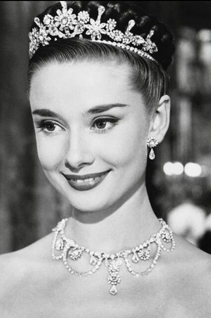 Happy Birthday Audrey Hepburn, your elegance and grace knew no bounds! :: Queen Audrey:: Beautiful photo of Audrey Hepburn in a tiara:: Old Hollywood