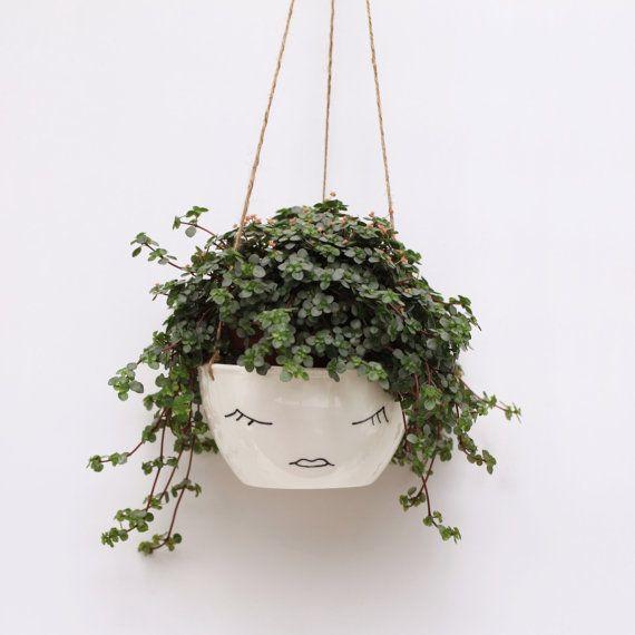 Blanco jardinera colgante cerámica / / cara de la planta / / carácter / / diseño moderno escandinavo / / botánica / / minimalista blanco y negro