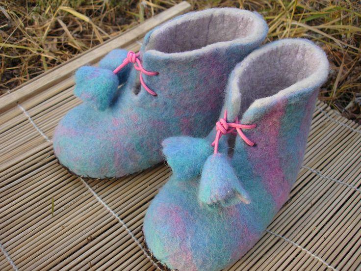 Валяные пинетки, ботиночки для малыша. Войлок ручной работы.  baby shoes hand felted wool  Елена Юрова (Чита)