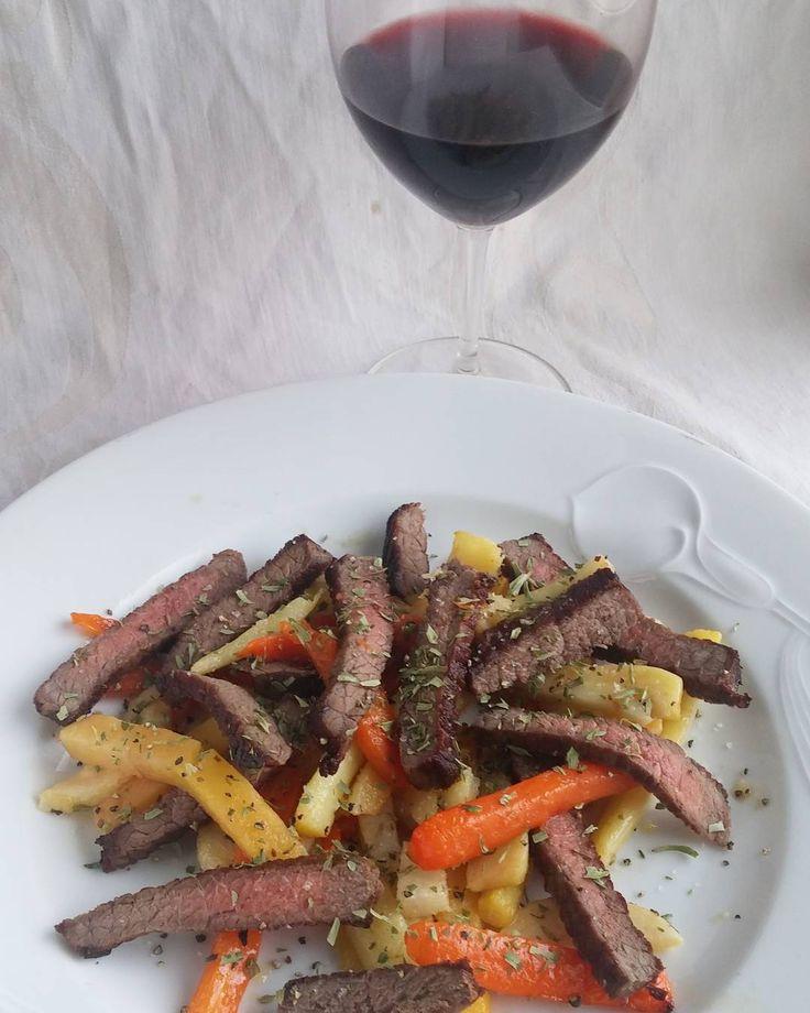 Sunnuntain lounas. #itsetehty #ruokablogi #ruoka#kotiruoka #herkkusuu #lautasella #Herkkusuunlautasella#ruokasuomi