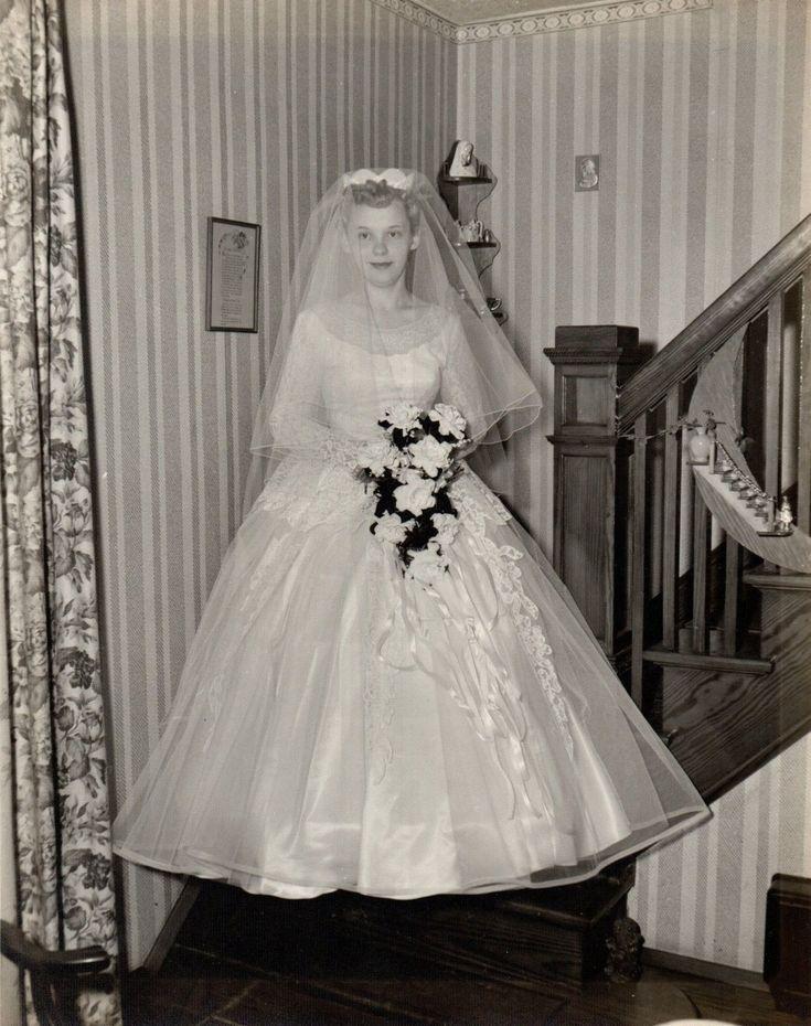 94 best mariages 1950 1959 images on pinterest vintage for French vintage wedding dresses