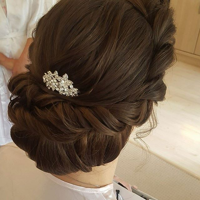 Loving @botiashairandmakeup classic #updo for a bride or bridesmaid! #botiashairandmakeup