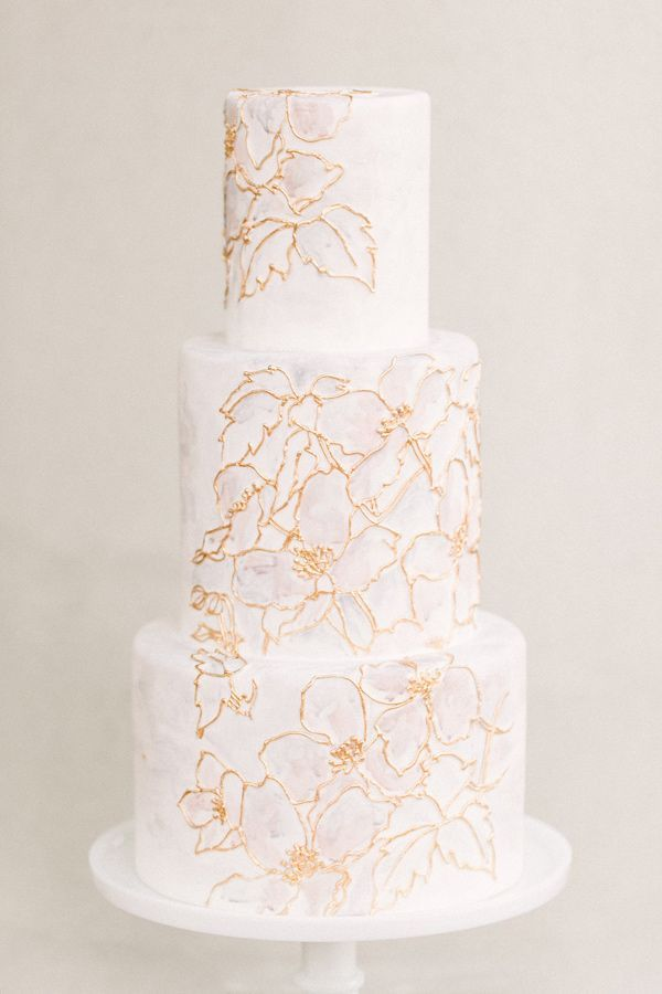 intricate gold outlined floral wedding cake