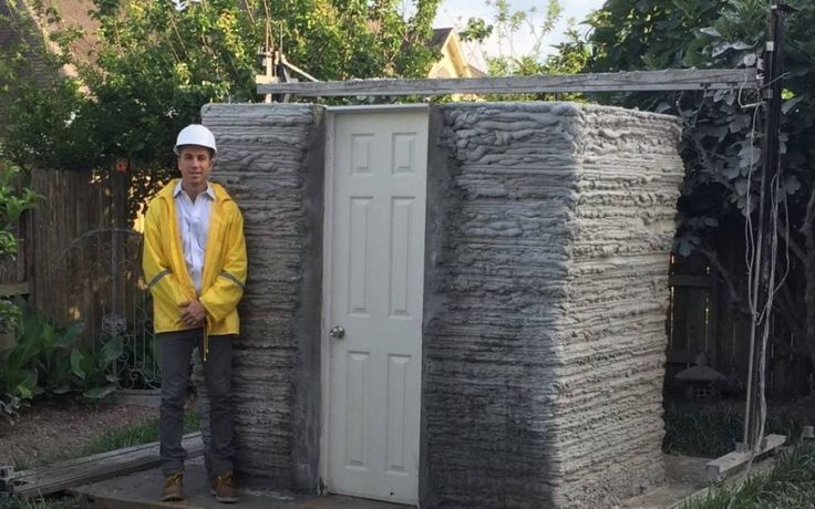В США появился первый дом созданный путем применения 3D-печати. Для создания дома применялся принтер V2 Vеstа, который может работать непосредственно на строительной площадке.