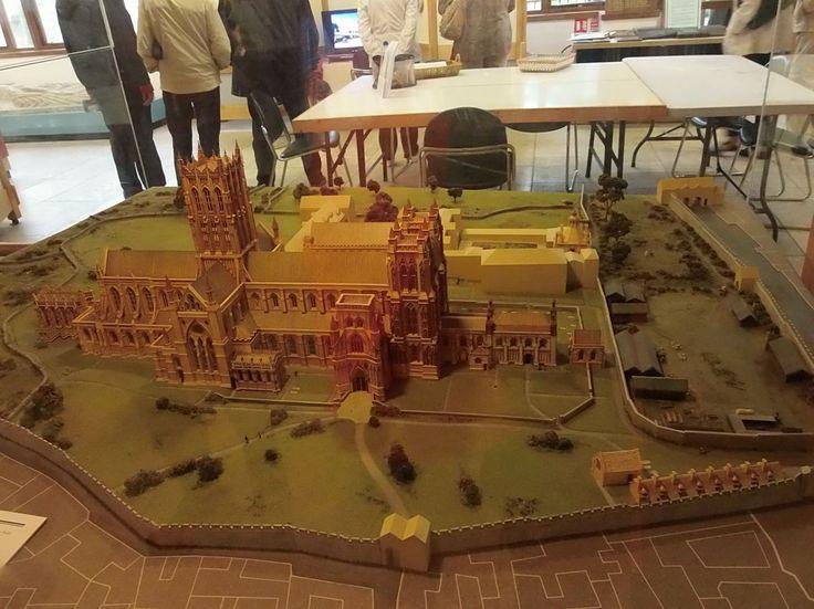 Takto kdysi vypadalo opatství Glastonbury ...
