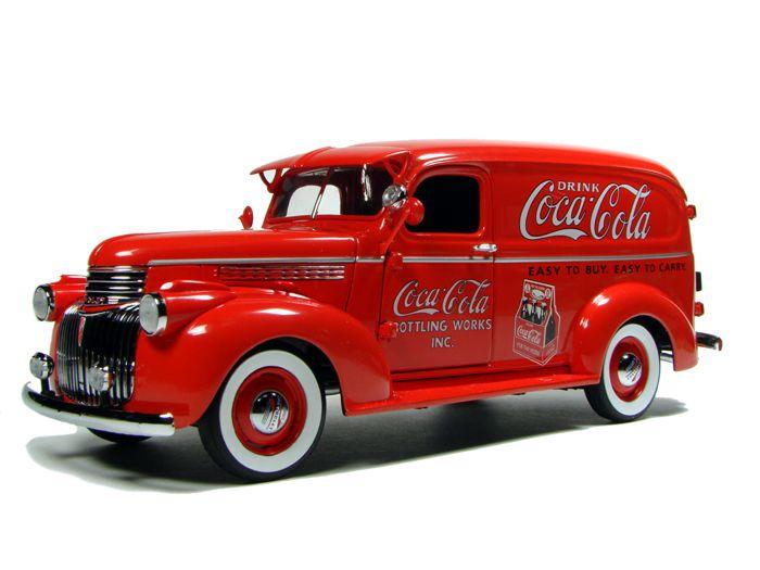 Claramente restaurado pero #Retro. Me encantan los coches antigüos!!  - #COCACOLA1941 CHEVROLET Suburban Delivery Truck  By Danbury Mint