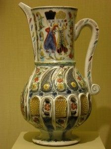 Kutahya Pitcher - Pair of Embracing Figures - 18th c.