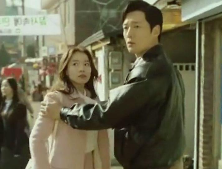 Choi Jin Hyuk beradu aking dengan Lee Yoo Young dalam Drama Korea Tunnel