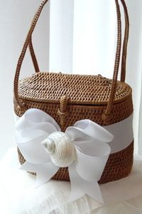 Bosom Buddy Bags for the Beautiful Bride at Lily
