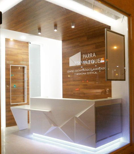 1000 ideas about reception counter design on pinterest - Proyecto clinica dental ...