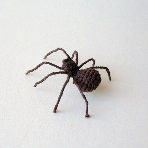 Itsy Bitsy Spider. free crochet pattern. The legs are wrapped wire and a bit difficult because you have to make it on your own. Made this for Shiloh.